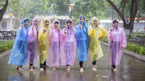 Áo mưa giấy